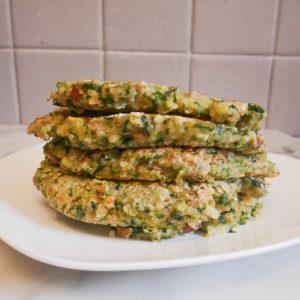Galettes quinoa, petits pois et épinards
